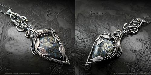 VIOLIRIELLA MARIZZ - floral, gothic style necklace