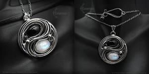 EZNTNARN YIN YANG silver necklace
