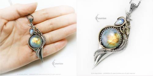 ERATHARELTH Silver, Yellow Gold, Moonstone