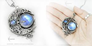 NANNELIRAH BLUE MOON Silver and Moonstone