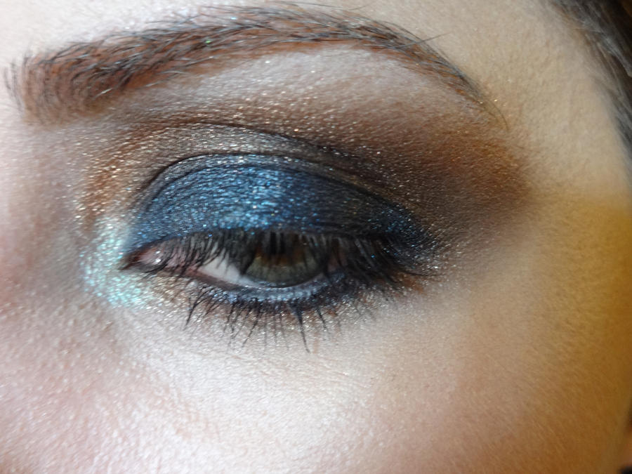 Blue/black and Copper Makeup by vampireleniore
