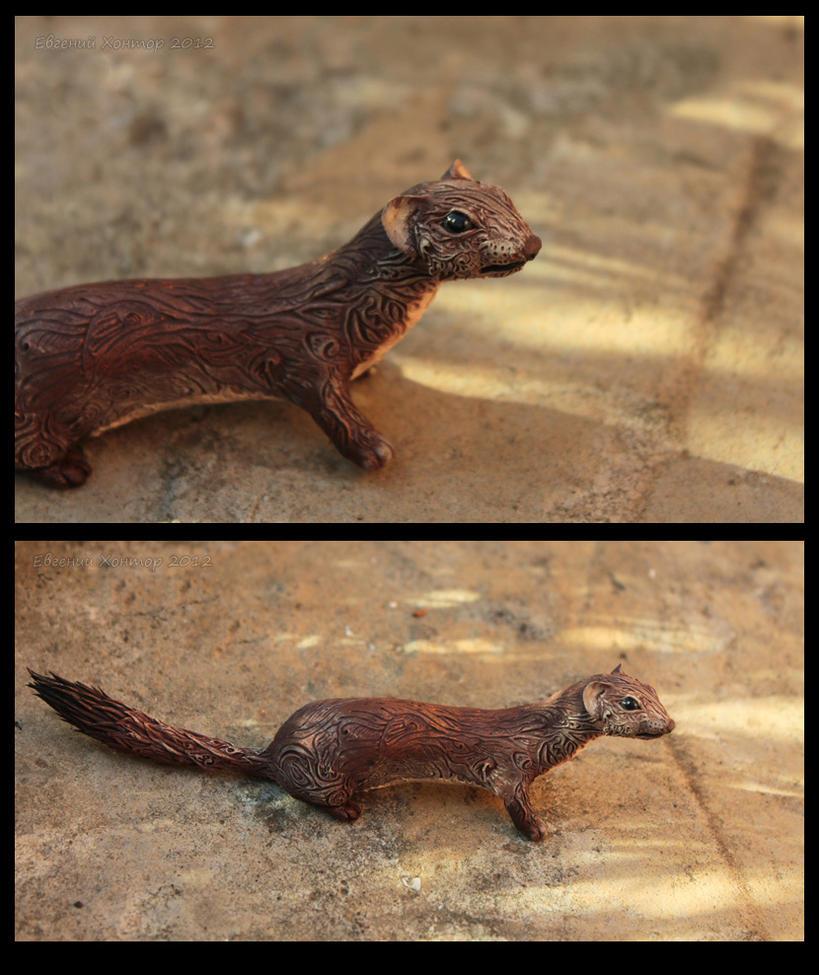 Weasel III by hontor