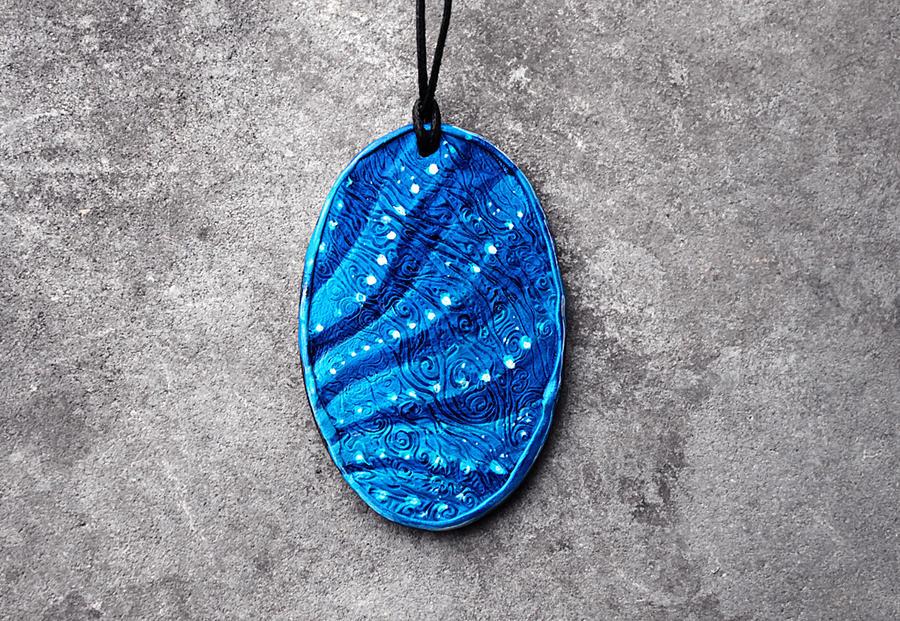 Na'vi blue skin pendant by hontor