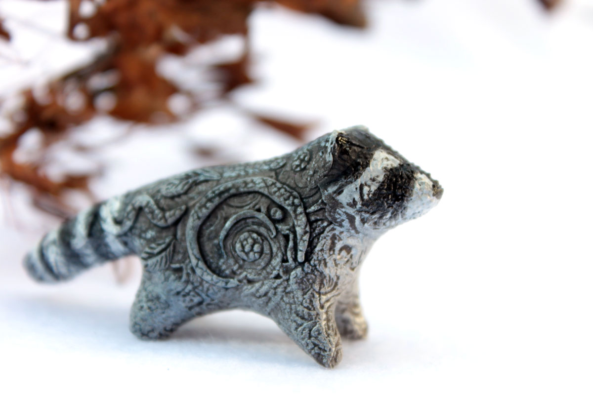 Raccoon totem by hontor