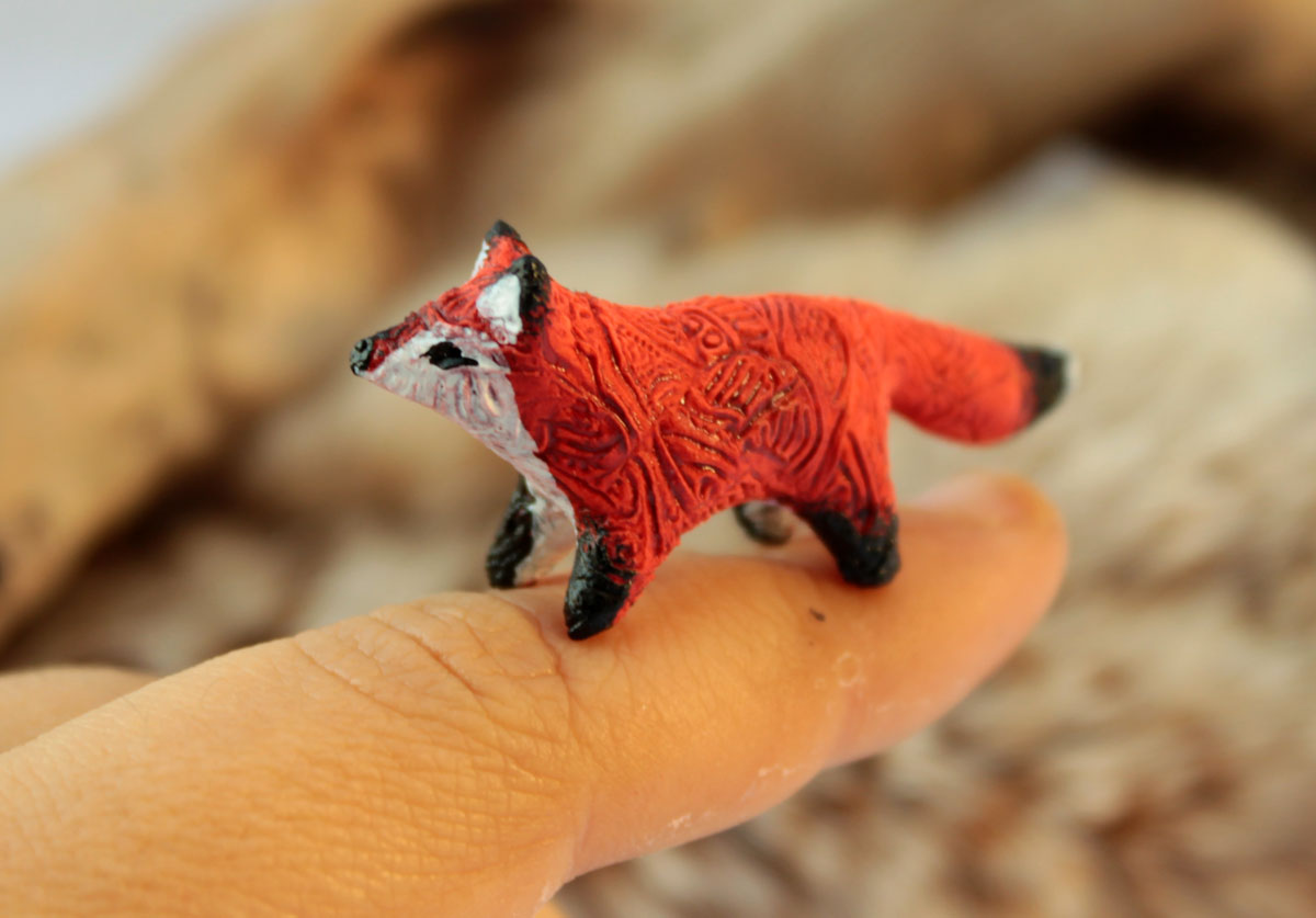 Tiny fox totem by hontor