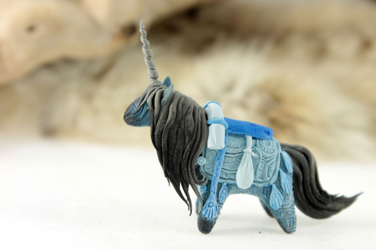Blue pack unicorn by hontor