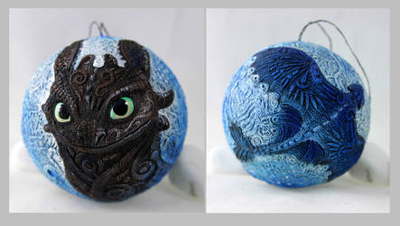 Toothless Christmas ball by hontor