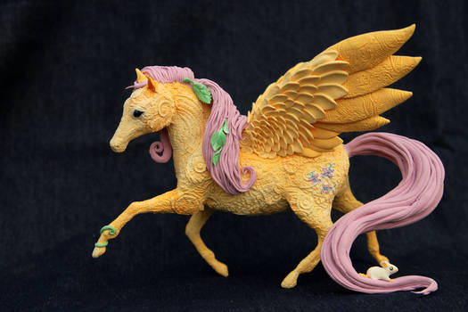 Fluttershy like real horse - My Little Pony