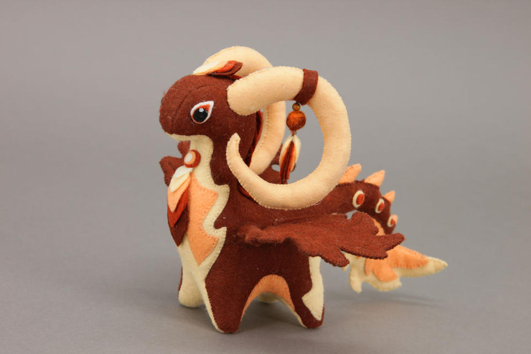 Dragon-ram soft toy by hontor