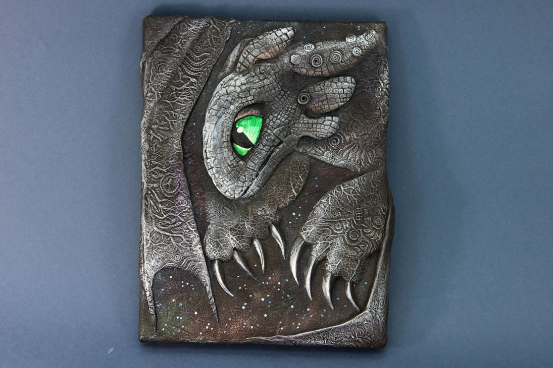 How to train your dragon - Toothless relief art by hontor
