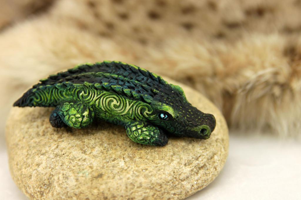 Crocodile baby by hontor