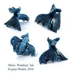 Moon Wanderer bat by hontor