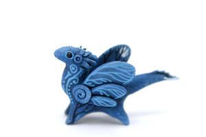 Moon Wanderer Fairy dragon by hontor