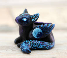 Ice Moon winged cat by hontor