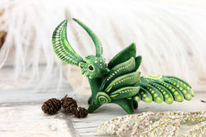 Green fairy dragon by hontor