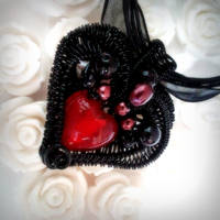 Gothic Valentine by sodacrush
