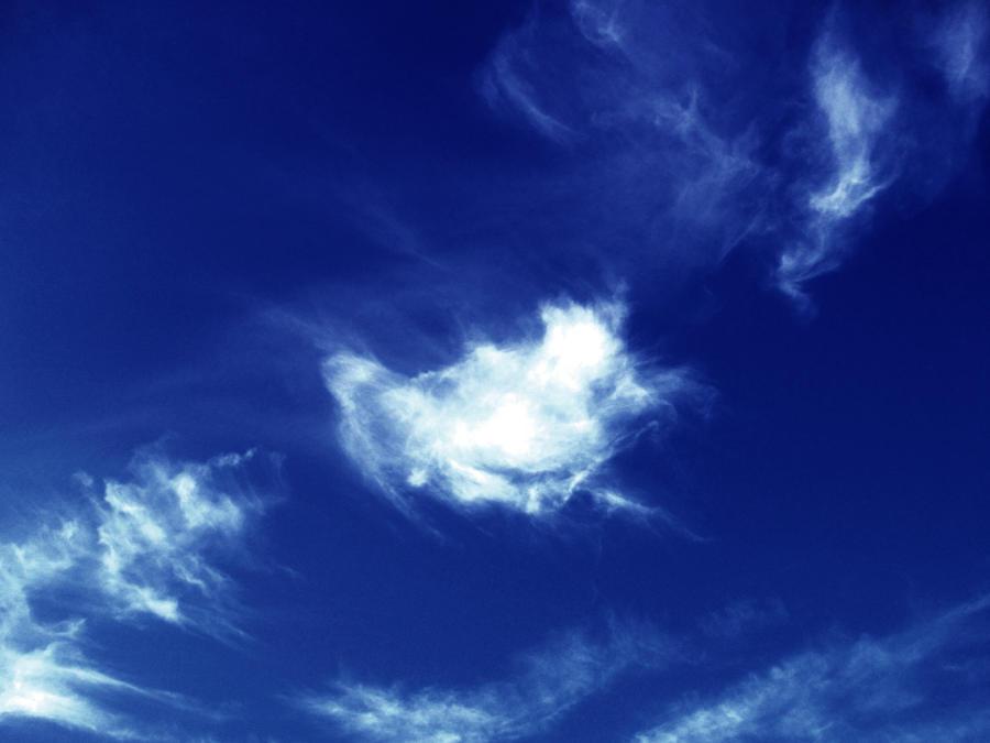 Le ciel en fumee by Elune-Elwynn