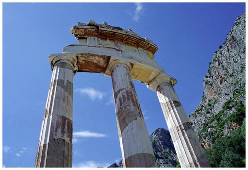 Delphi - the Tholos