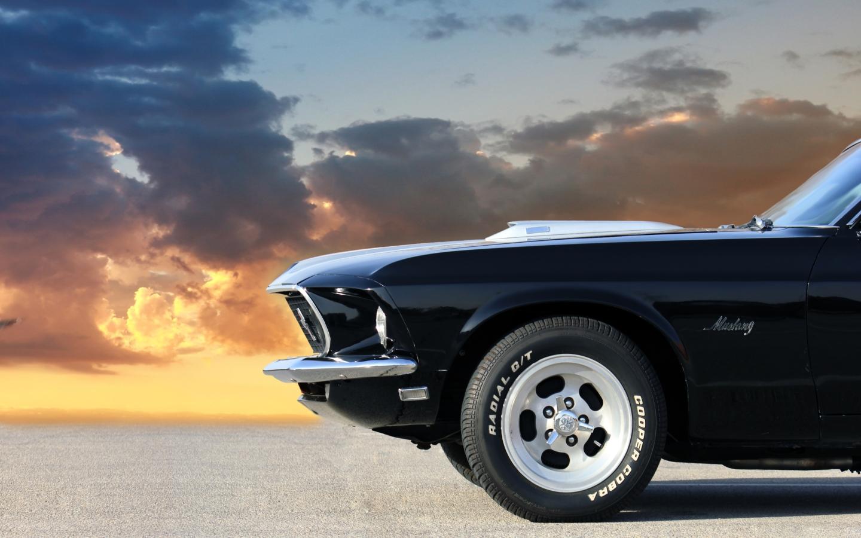 Black Car Old Metyal