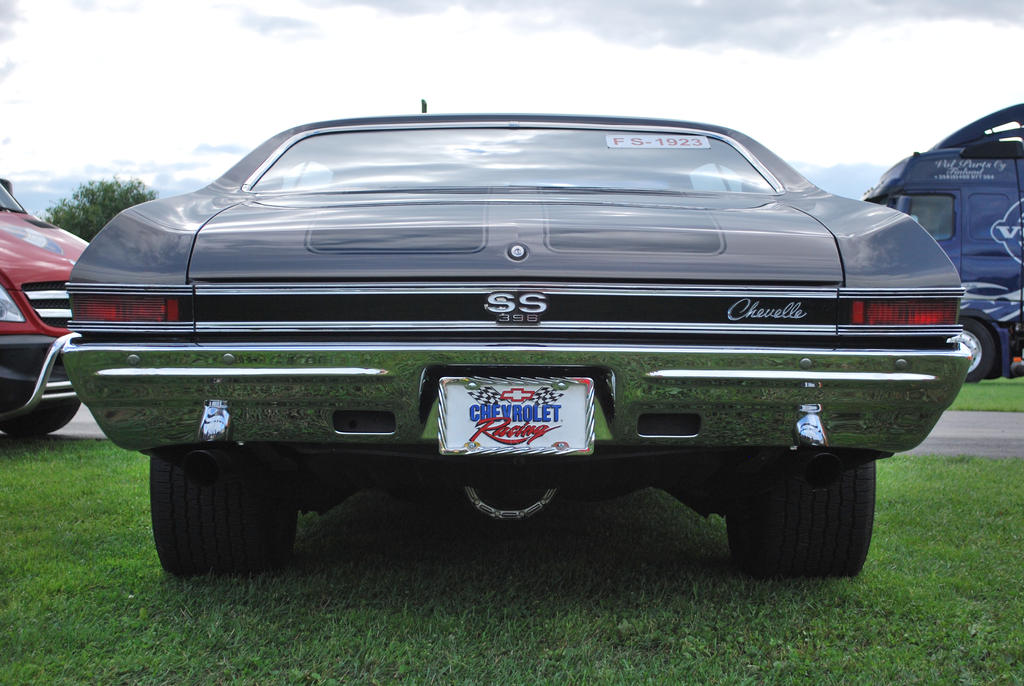 201875939519 as well Datsun Bluebird Coupe 910 197983 moreover 1967 Chevrolet Impala additionally Rons 1971 Heavy Chevy Chevelle together with 1525 1968 chevrolet chevelle to. on 1968 chevelle ss 396