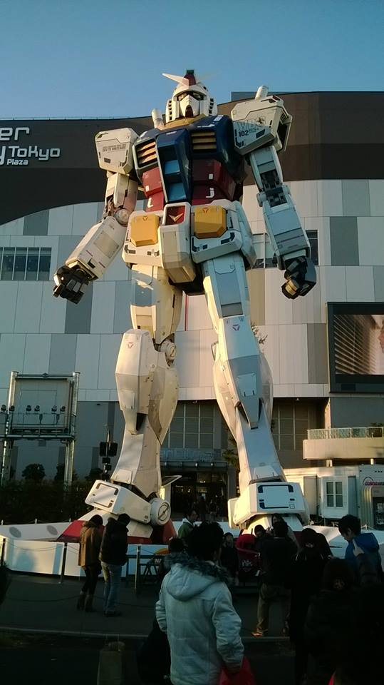 Gundam Statue by Roy-Flamaku