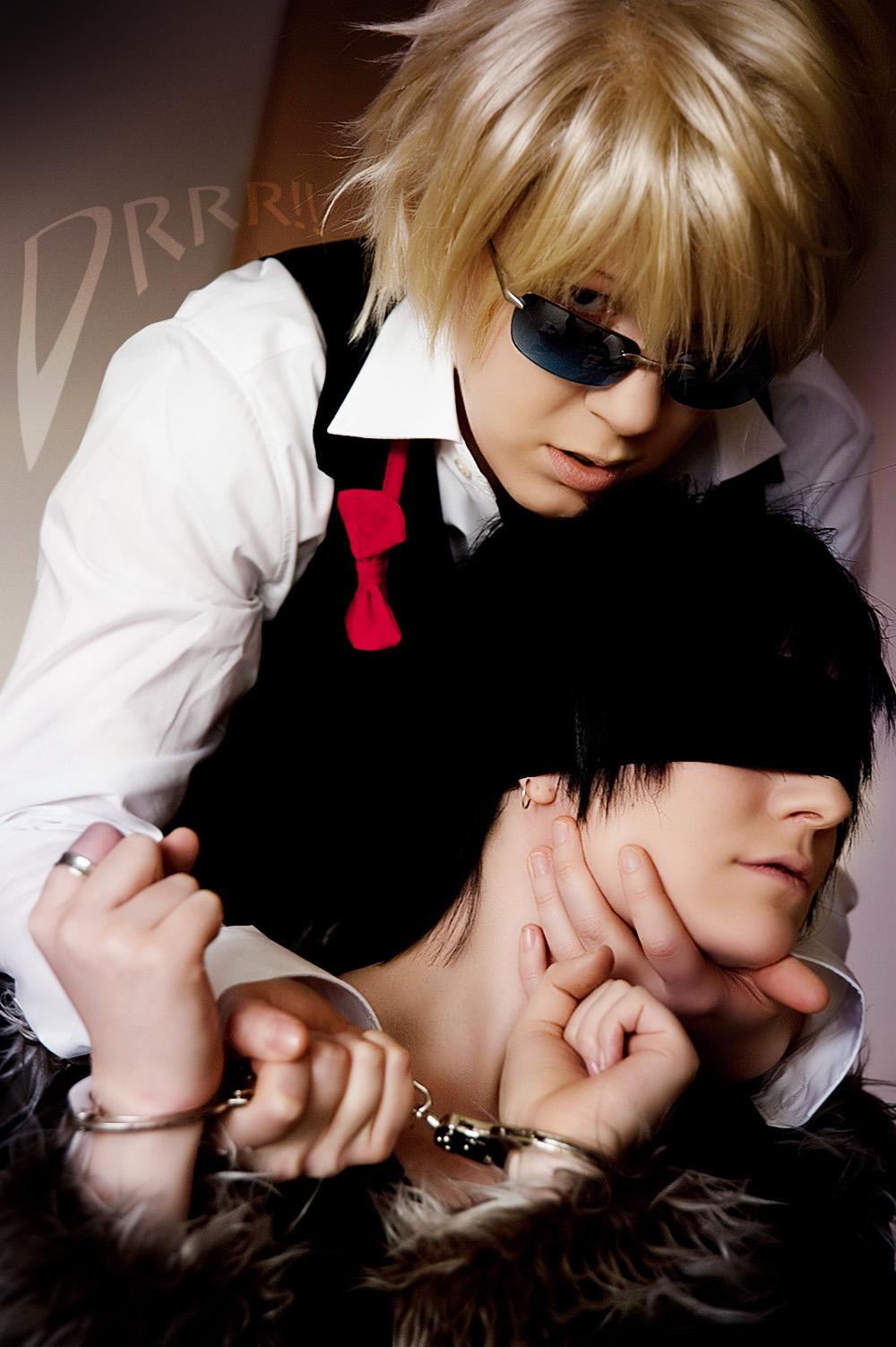 http://fc03.deviantart.net/fs71/f/2010/078/1/c/Durarara__Where_Izaya_belongs_by_Majin_sama.jpg