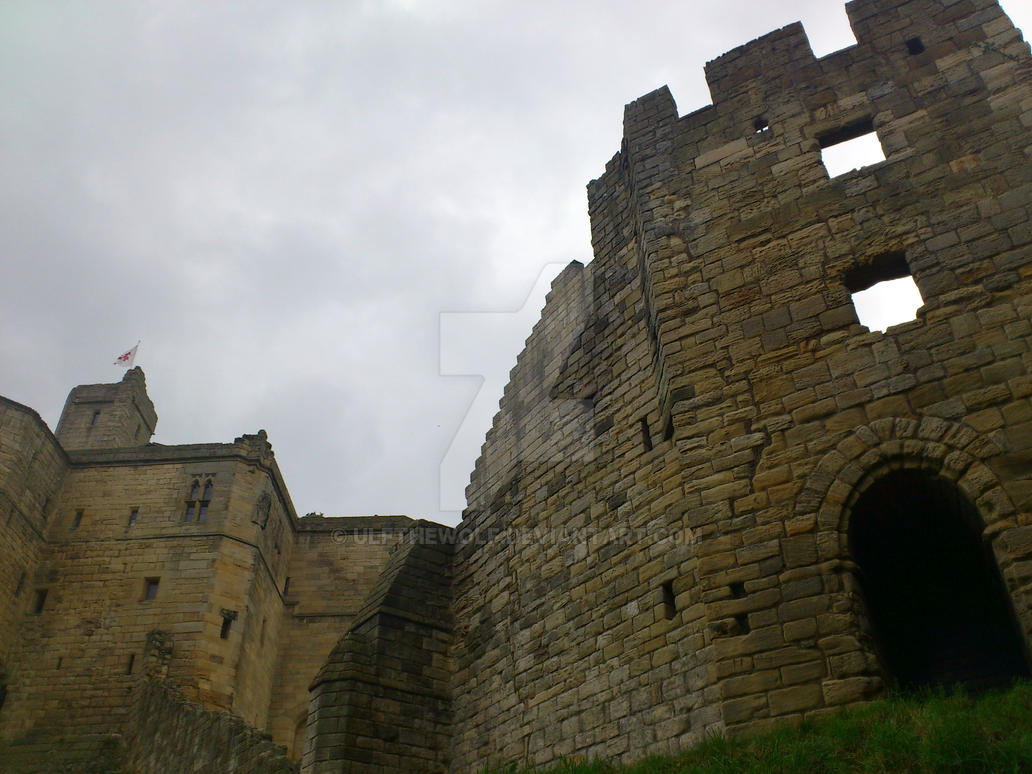 warkworth castle by ulfthewolf