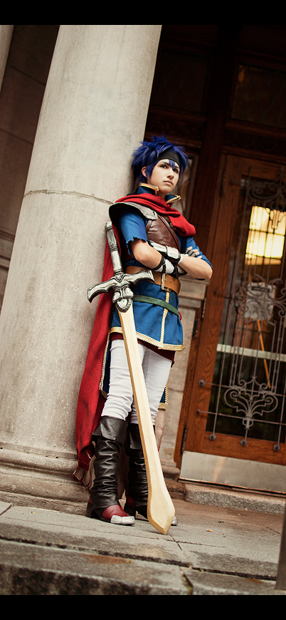 Ike FireEmblem Cosplay by kaiser-mony