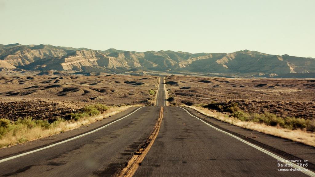 Road To The Mountains by torobala