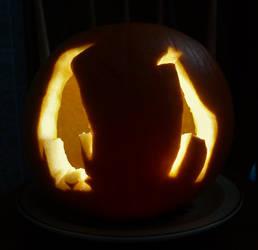 Pumpkin with penguin and giraffe by artjuggler