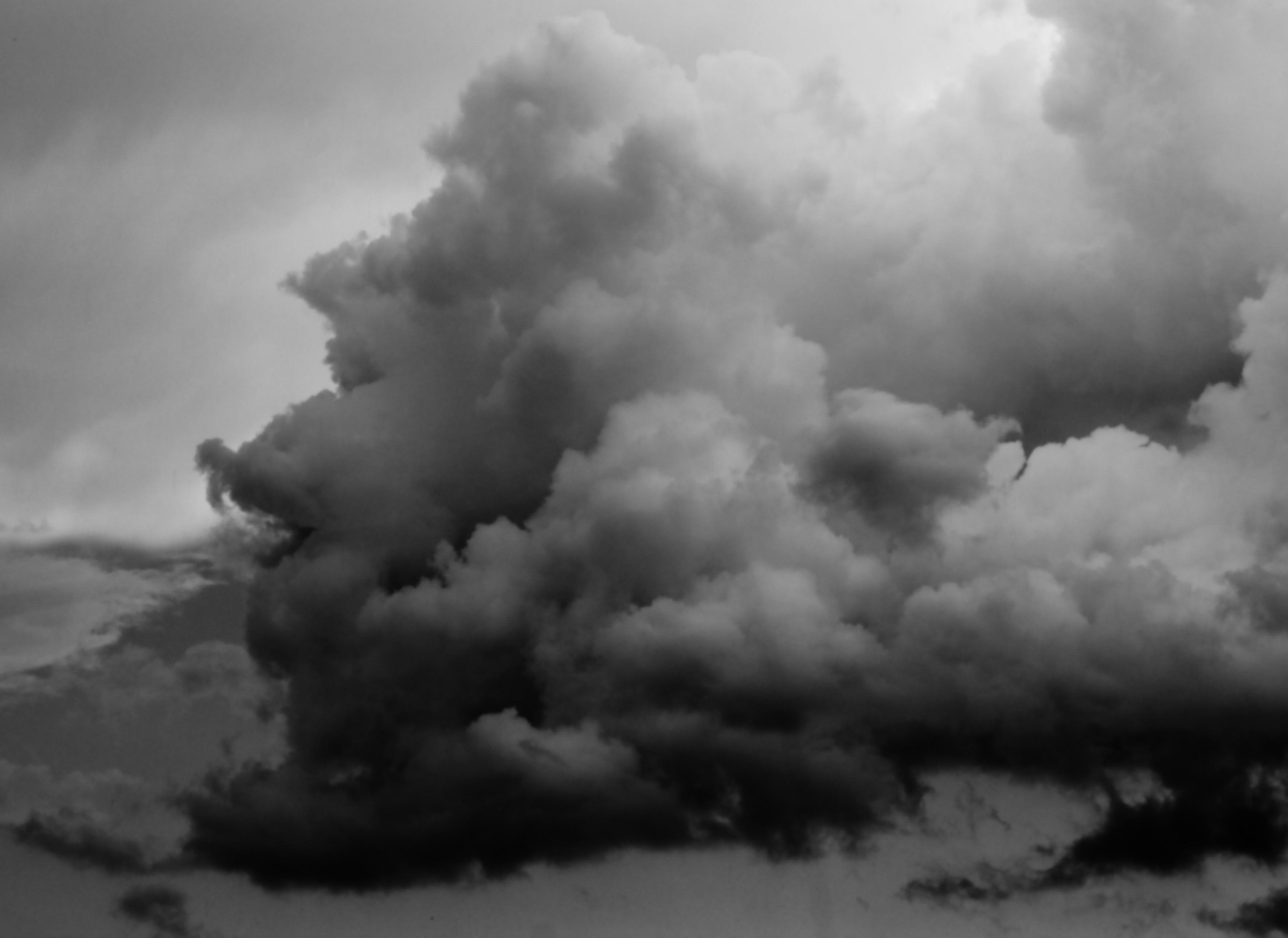 Amateur Dating Pics Men Storm Cloud