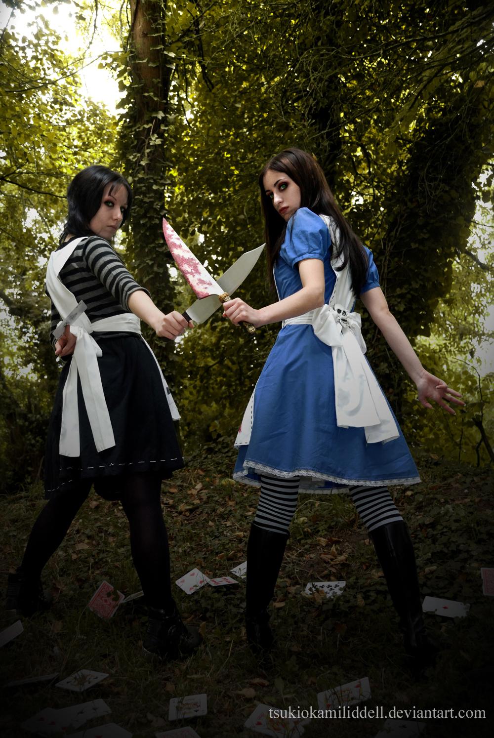 Reality VS Wonderland by TsukiOkamiLiddell