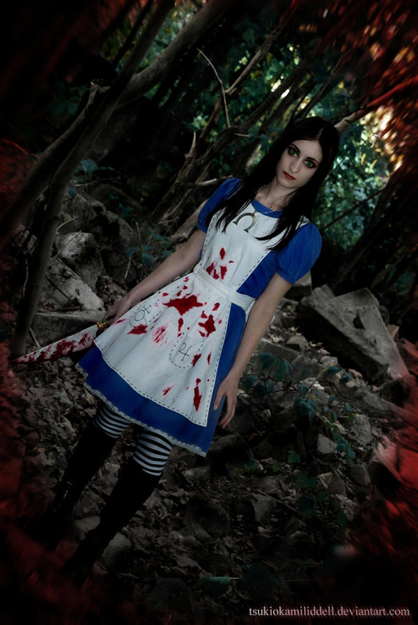 Broken Memories... by TsukiOkamiLiddell