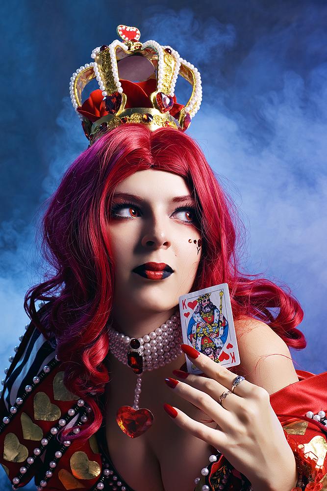 Queen of Wonderland by Rei-Doll