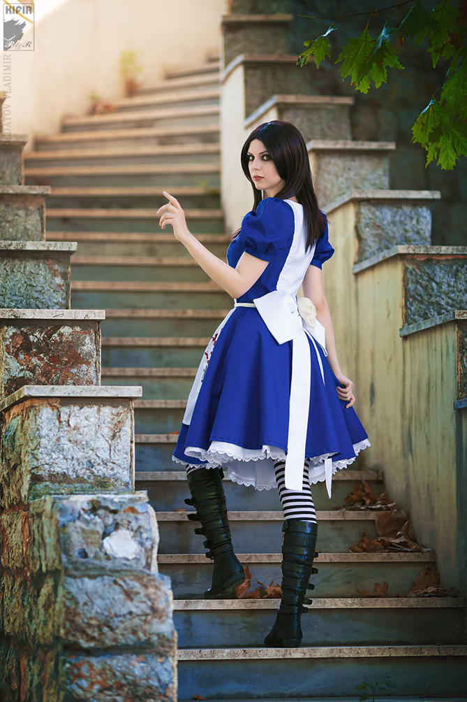 Follow Me to Wonderland by Rei-Doll