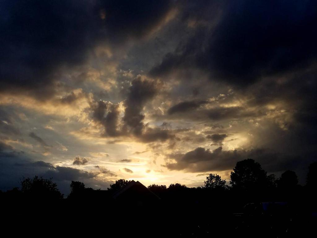 Sunset on a rainy day by firestar326