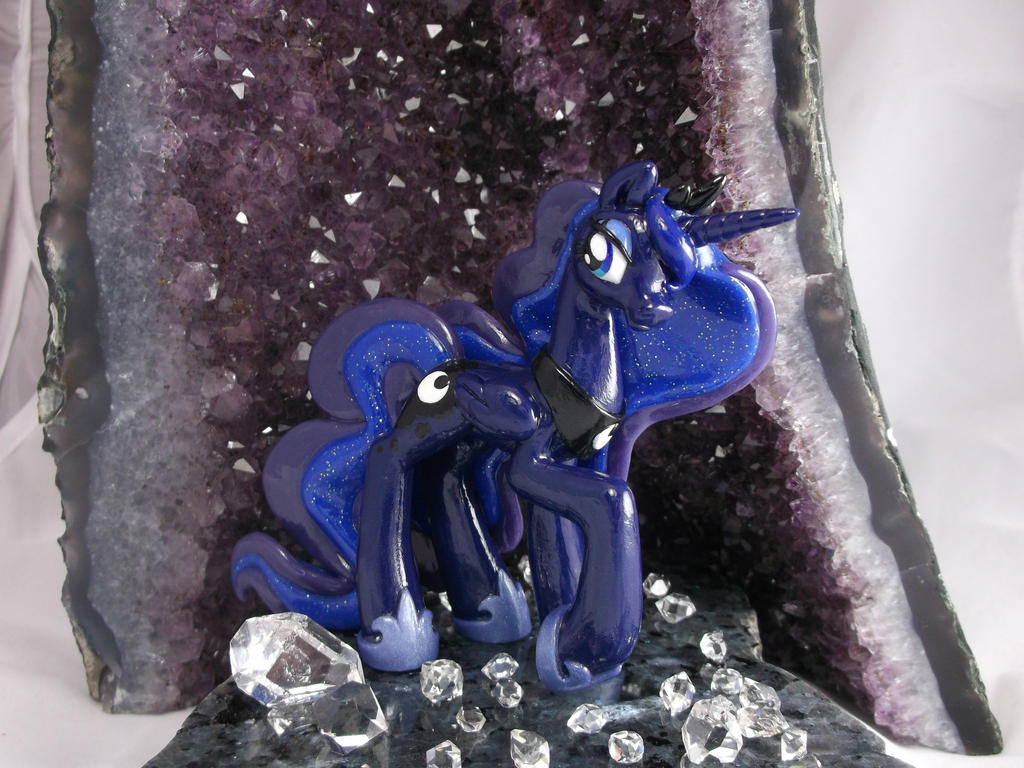 Luna, Princess of the night by DeadHeartMare