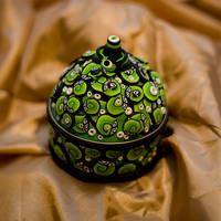 Lime Green Swirls box by Belilmalebridia