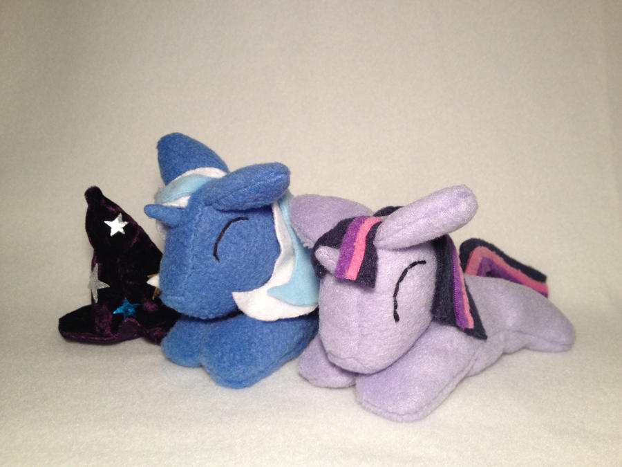 Twilight Sparkle and Trixie by Bewareofkitty