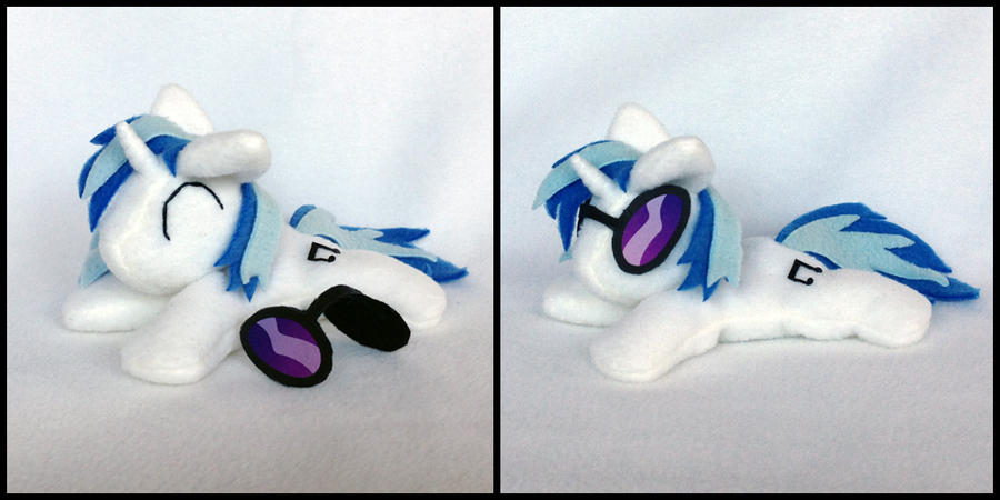Vinyl Scratch beanie plushie by Bewareofkitty