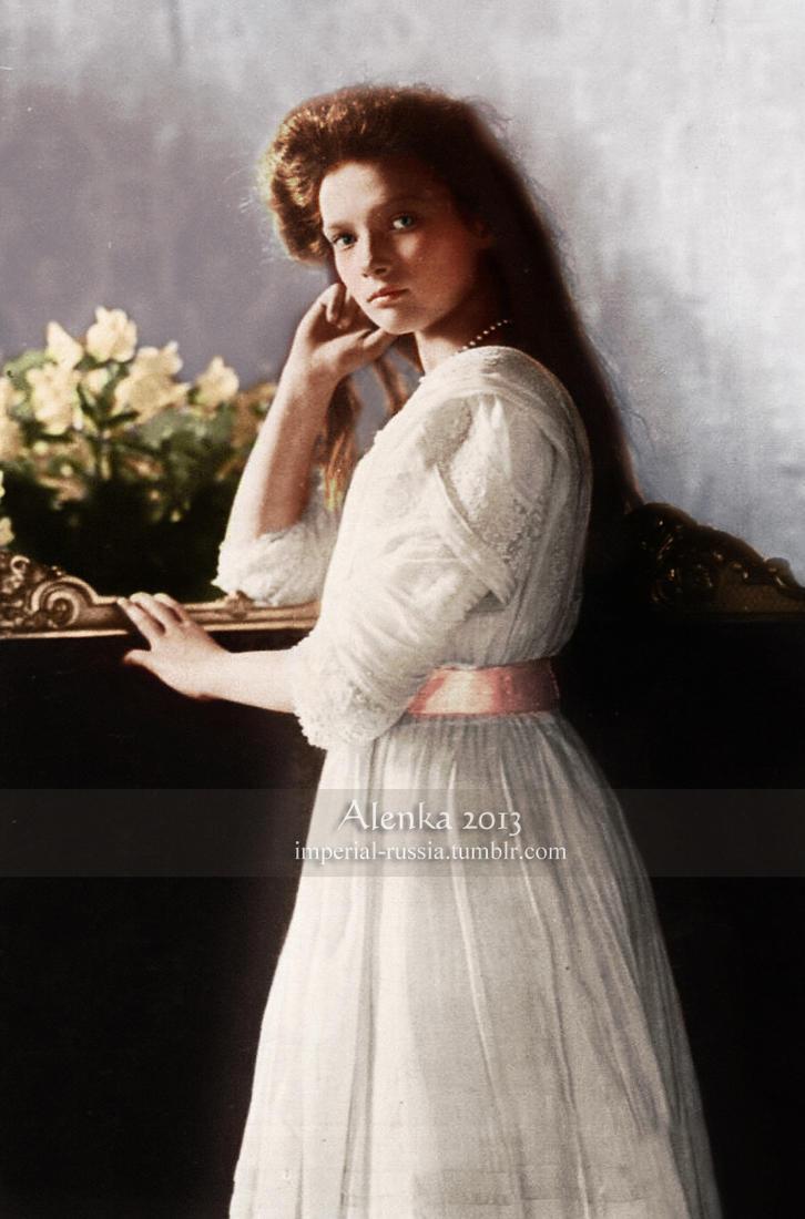 [Image: grand_duchess_tatiana_in_1910_by_velkokn...5vyrdy.jpg]