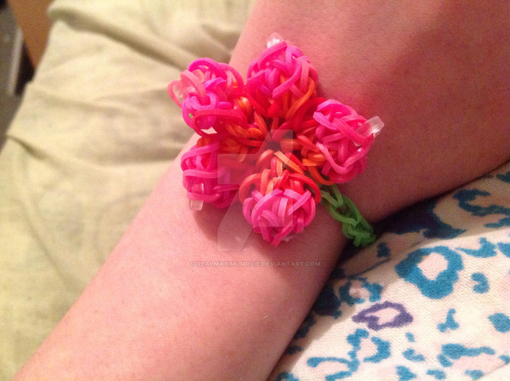 hibiscus rainbow loom bracelet by realmaximumride on