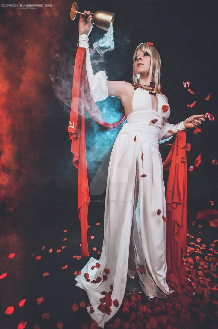 Saber Nero Cosplay - FGO - Heroic Spirit Dress