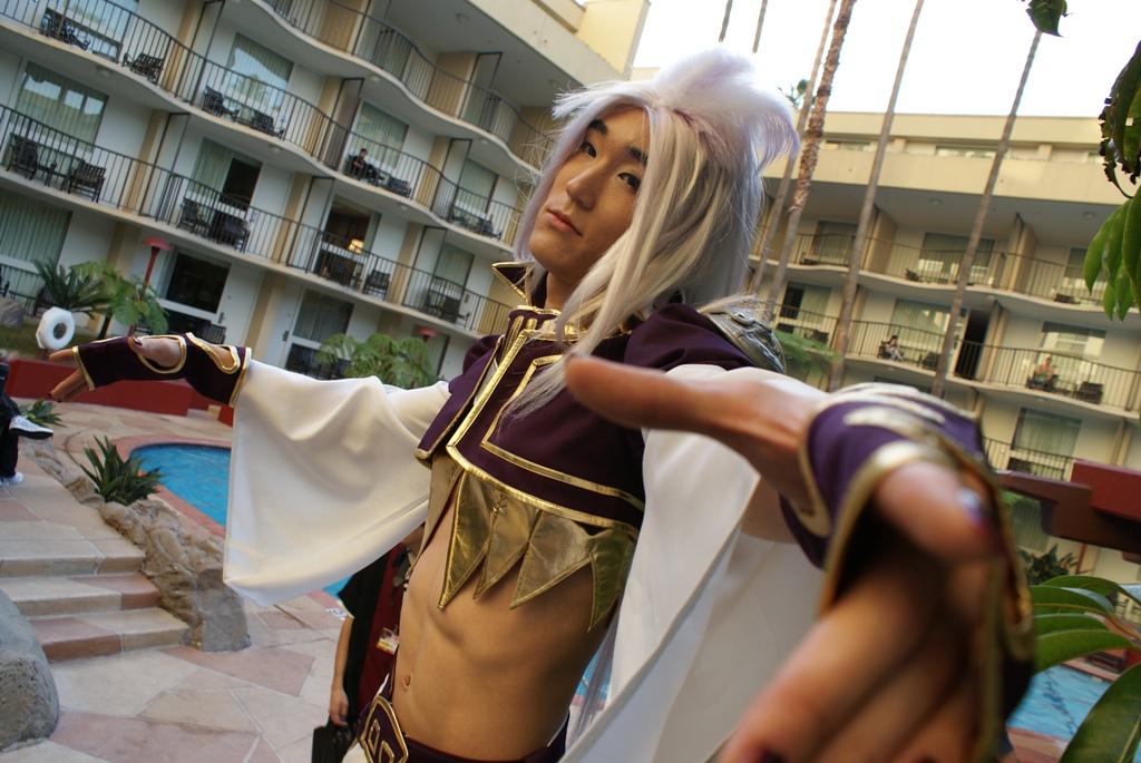 Kuja Cosplay ALA 2010 1 by SoCoPhDPepper