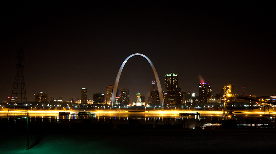 St. Louis Arch by breaking-reality