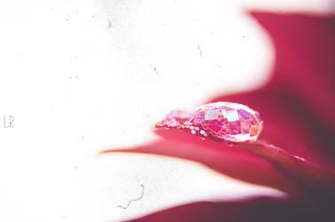 Drop of Glitter II by daintyish