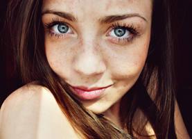 blue eyes by mTucha