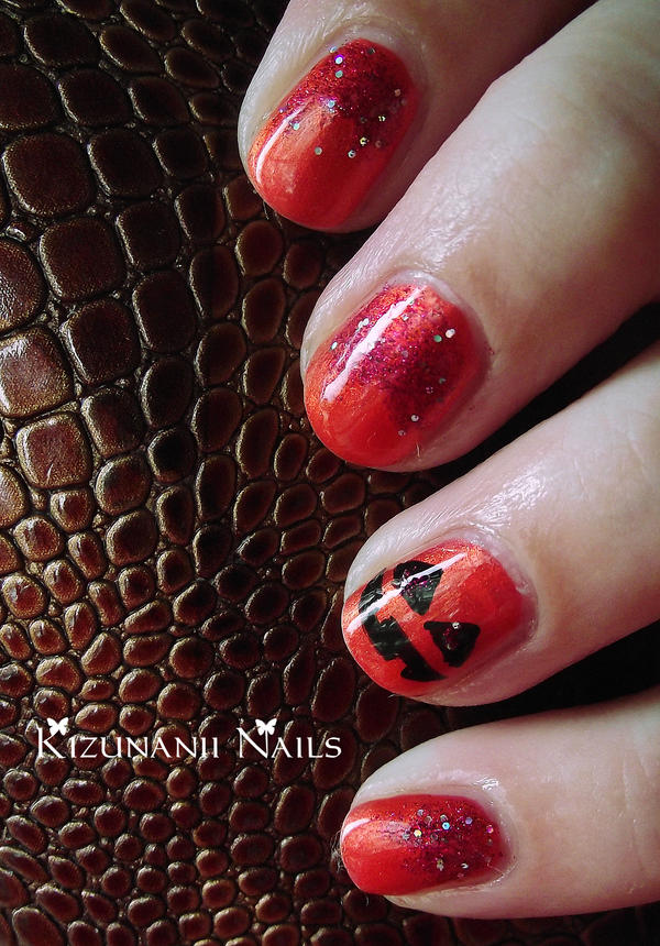 Pumpkin Halloween Nails by KizunaniiNails