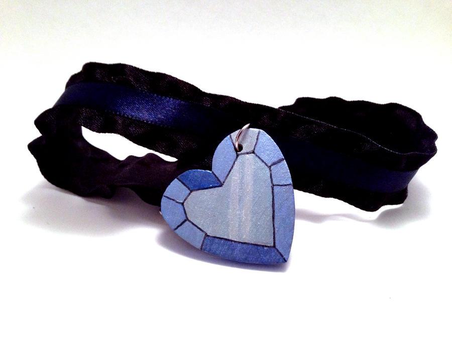 Crystal Heart Choker by SapphireIceAngel
