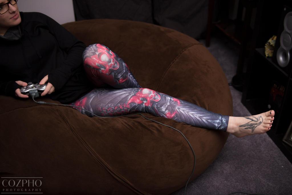 Geekweave Skull Reaver Leggings! by itsthekitsunekid